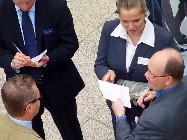 business-meeting-1239197-640x480.jpg